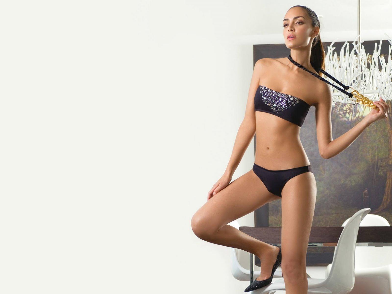 Bikini Top Models Photo Shots