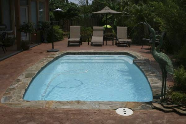 Splash pools north carolina splash fiberglass pools of for Pool design raleigh nc