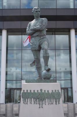 Monument a Bobby Moore al Wembley Stadium