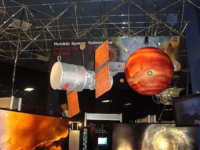 Hubble en Yuris Night por adykes0120