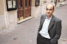 Dr. Andrés Piatti