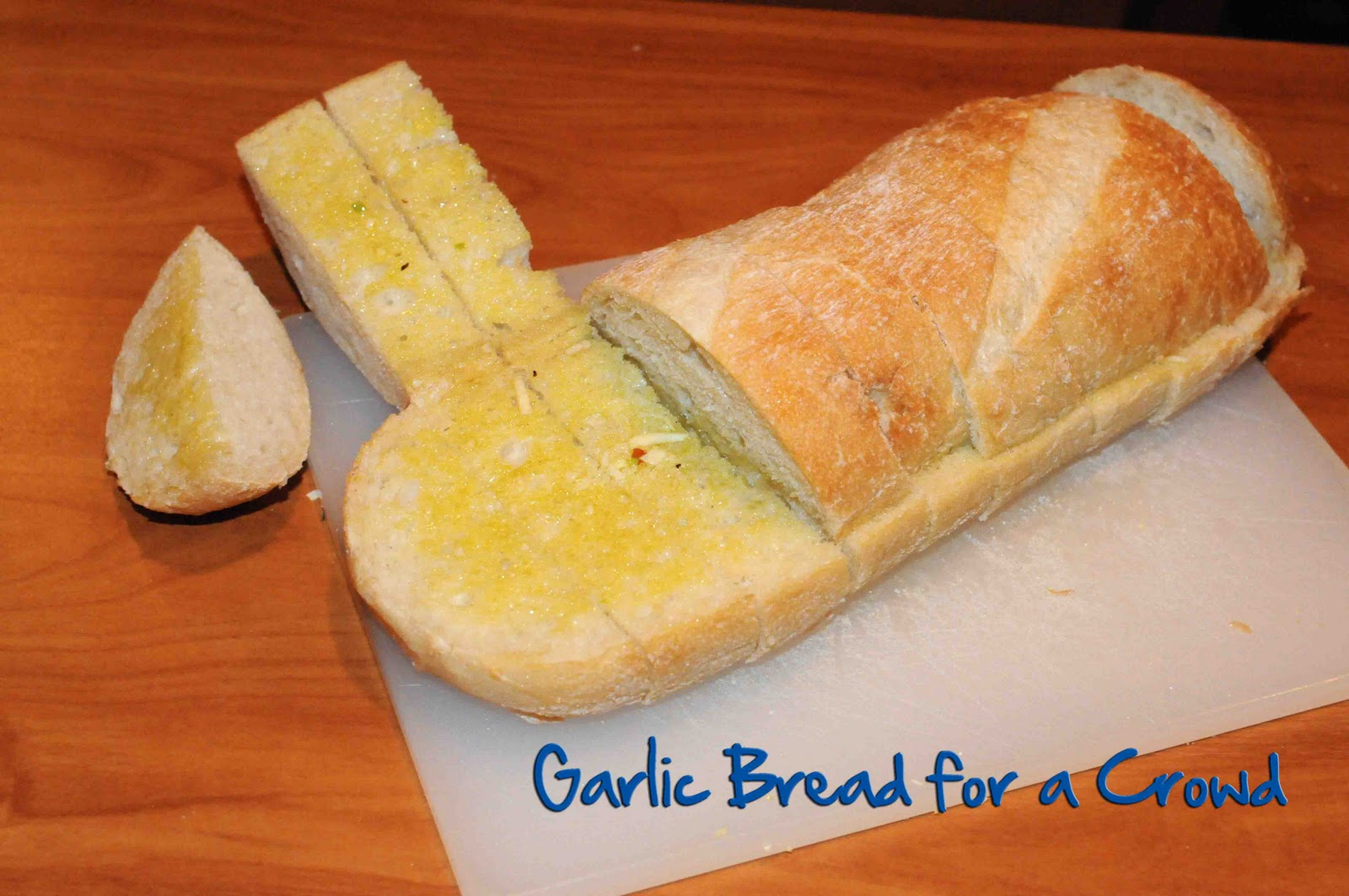 Gonna Stuff a Chicken: Recipe: Garlic Bread for a Crowd