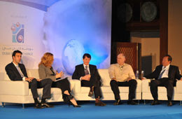 An expert pearl panel discussing the economic outlook for the pearl sector.