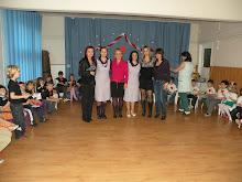 Grupa Pregătitoare II şi Grupa Germană au pregătit un scurt program artistic dedicat Zilei Femeii