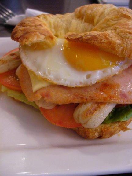 [egg+croissant]