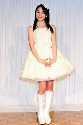 Yuu Kikkawa inicia su carrera como solista Kikkawa%2BYou%2B110126j