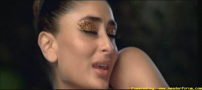 Kareena kapoor Hot Stills From Hindi Movie Golmal Returns