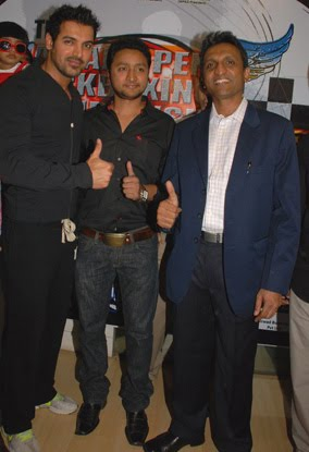 John Abraham spoke about the event at Gold's Gym