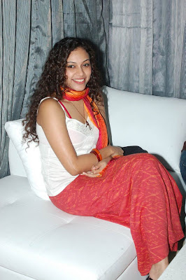 Kollywood Malluwood Mallu Tollywood Hollywood Spicy Stills Bhuvaneshwari Sexy Photos Banupriya namitha Hot Gallery Kiss Scenes - Hot Masala Gallery, Mallu Sexy Photos, Kiss Scenes, Spicy Sexy Stills, Masala Pictures, Bhuvaneshwari Nayantara Stills