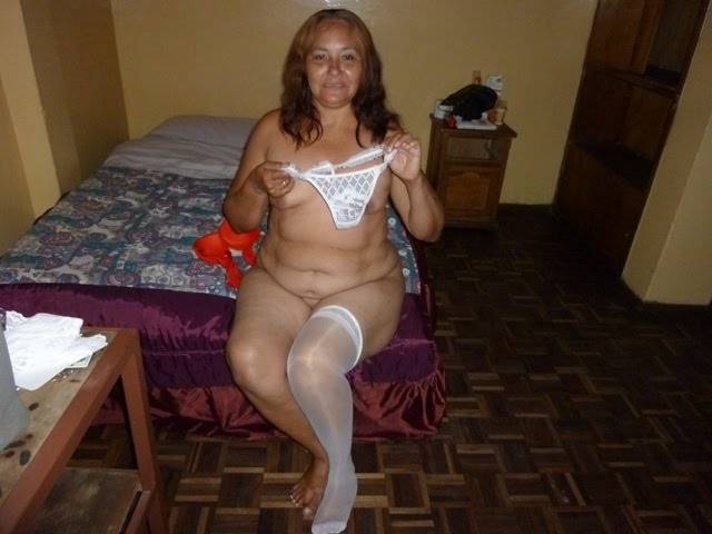 image Vieja puta me muestra como se lava la cuca