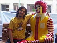 Argol y Ronald haciendose amigos