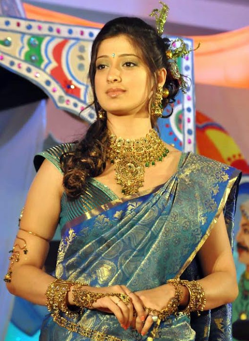 lakshmi rai in saree fashion actress pics