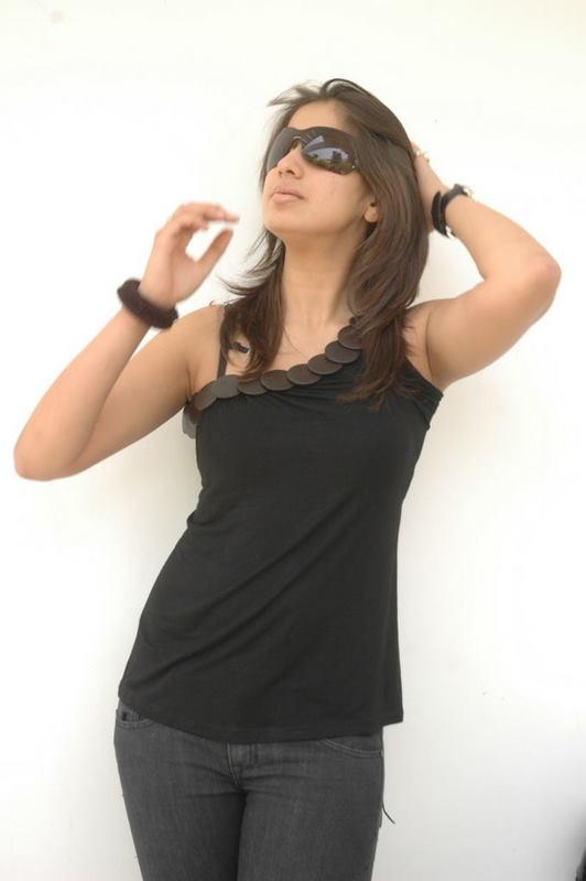 priya rai wallpapers. actress lakshmi rai style