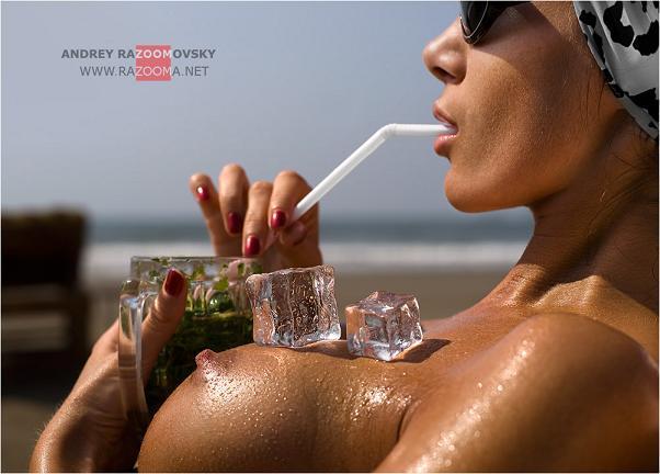 andrey razumovsky mulheres nuas na praia areia sexy