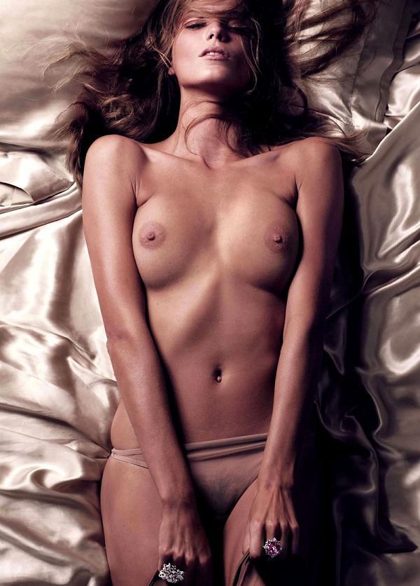 calendário 2011 vogue paris modelo nua