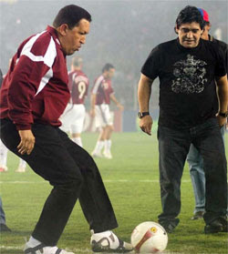 Maradona reza por la p...