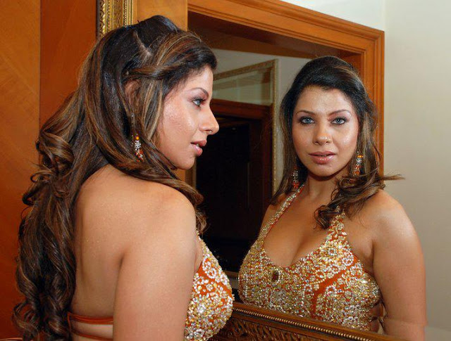 Bollywood HoT icon- Sambhavna Seth