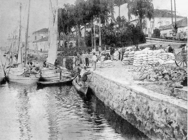 Primeiro Porto - Praça do Guincho