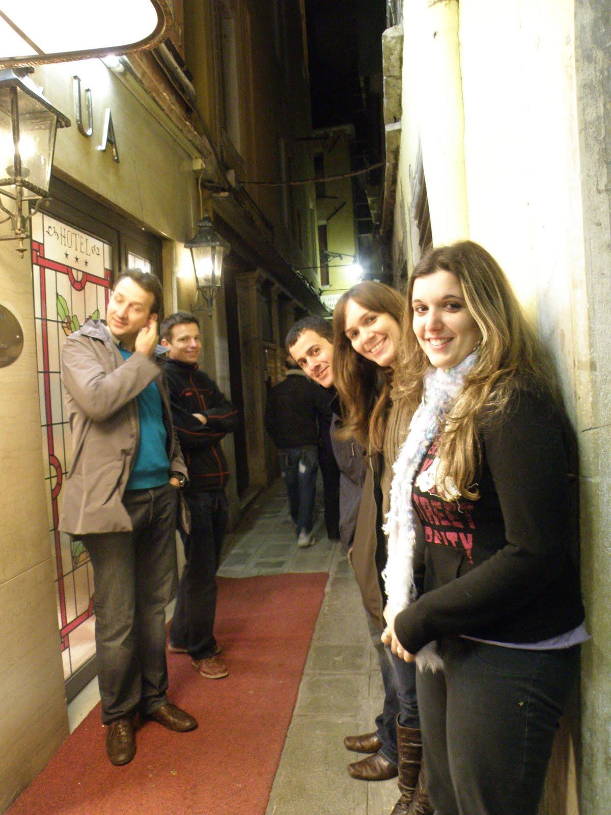 http://3.bp.blogspot.com/_VoBdvAQdbpg/SwNQOhX_fII/AAAAAAAAAyc/ld-V9jd6Cws/s1600/Venice+Oct+15s-17.JPG