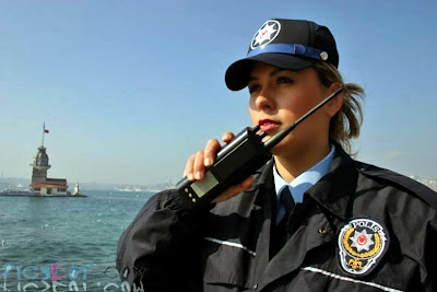 http://3.bp.blogspot.com/_VqqC34Ze1TE/SdsyU1SK8CI/AAAAAAAACy0/wnrDvr3N1Nw/s400/Beautiful_Female_Police_and_Army_Girls_from_Around_the_world_26.jpg