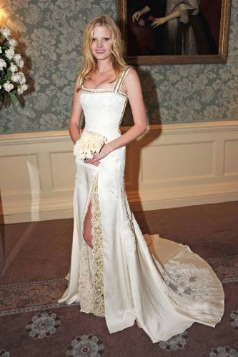 WEDDING DRESS MONDAY