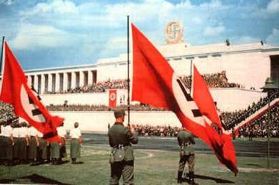 راهیپمایی نورنبرگ با نام رسمی دربارهٔ این پرونده Reichsparteitag راهنما·اطلاعات که به معنای «کنوانسیون حزب ملی رایش» است، راهپیمایی حزب ملی سوسیالیست کارگران آلمان در این کشور از ۱۹۲۳ تا ۱۹۳۸ بود. فیلمهای بسیاری به مناسبت بزرگداشت این رخدادها ساخته شد که در بینشان پیروزی اراده از همه مشهورتر است. منابع      مشارکتکنندگان ویکیپدیا، «Nuremberg Rally»، ویکیپدیای انگلیسی، دانشنامهٔ آزاد (بازیابی در ۹ دی ۱۳۹۱).