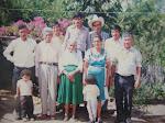 Familia de Don Jose Mayen Avila y Doña Carmen Muralles ( 1914 - 2004 ) foto 1988