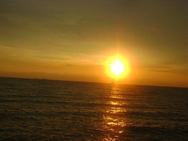 AKU.LANS18.BLOGSPOT.COM: -senja yg indah di Pantai Remis