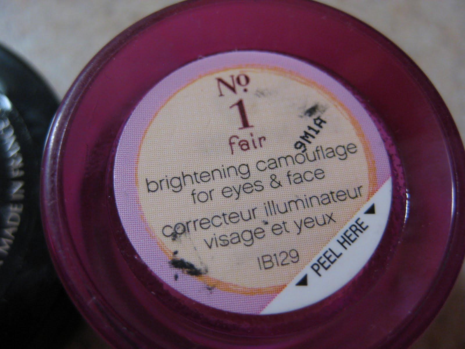 Beauty Babble: Comparison: Benefit's Erase Paste vs Boi-ing Concealer