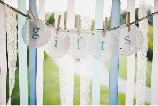 lace+gift+table Wedding Tips & Etiquette: A Gift for the Bride and Groom