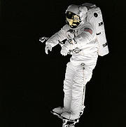 Low pressure pure O2 is used in space suits