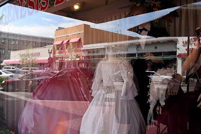 Bridal Shops on Bridal Shop On 4th Street In Santa Ana  Ca