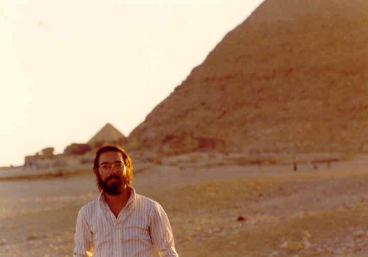 ... No Vale de Gizé - Cairo...