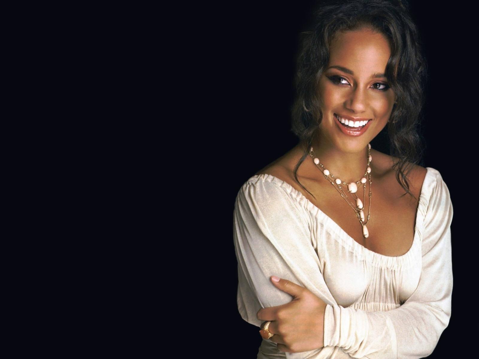 Singer Alicia Keys Pics, Alicia Pics 2011 | All Actress Hollywood Alicia Keys