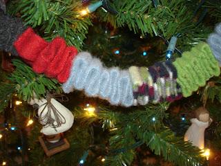 Creative Passage Christmas Ribbon Candy Wool Garland