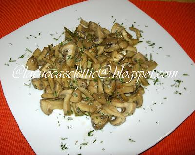Funghi trifolati e bruschette