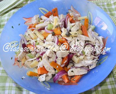 Insalata di pollo con verdurine ed emmentaler