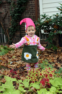 But hereu0027s a shot of my daughter dressed up in her garden gnome costume posing in front of our friendsu0027 house down the block from us.  sc 1 st  Kristin Burns Baby Photography & Kristin Burns Baby Photography: Whou0027s that in the garden? The cutest ...