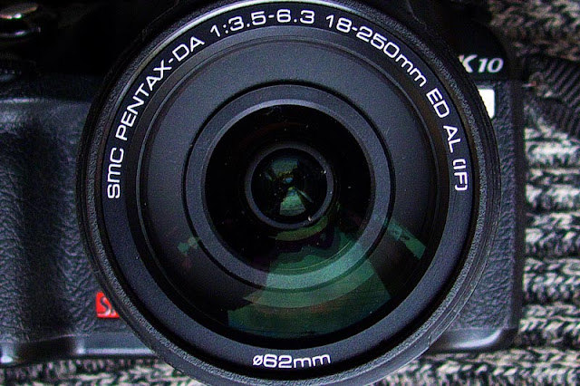Camera and lens, Pentax 18-250mm