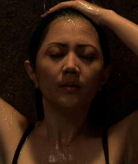 Adegan Hot Mandi Aida Saskia (Video) | Free Download xml Blogger