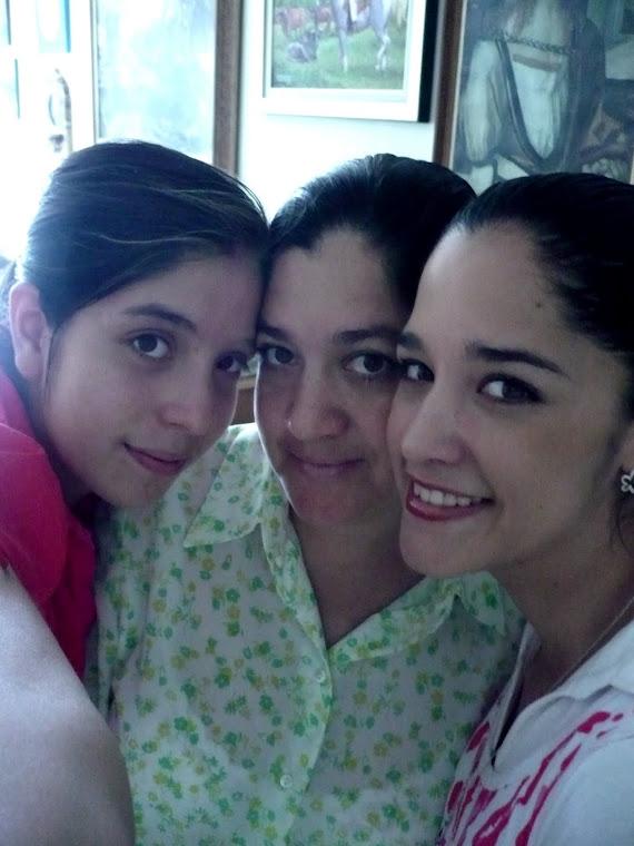 FAMILIA (2). MIS TRES PINCHES VIEJAS