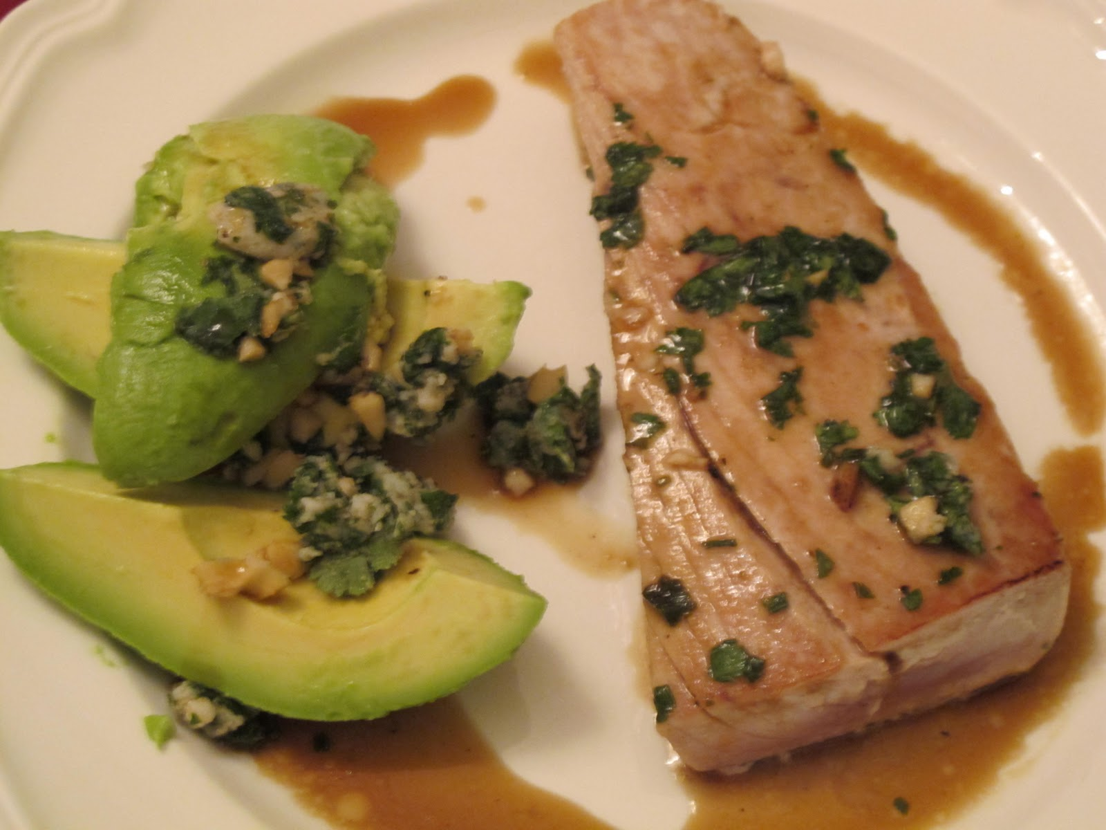 Enjoying Healthy Foods: Pan seared Tuna with Avocado