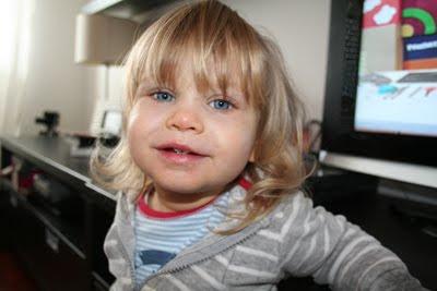 Adriana aos 2 anos