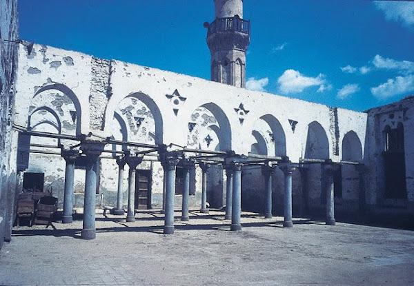 مسجد الحسن بن صالح قبل ترميمة
