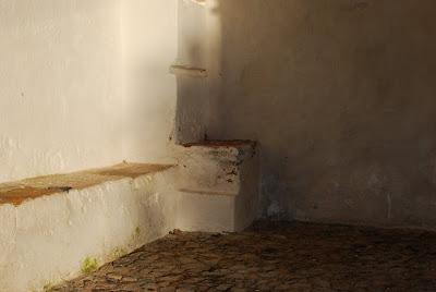 A alvura de paredes com histórias para contar