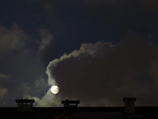 Olha a lua...