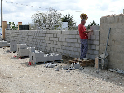 Aljavera reformas del hogar muro de bloques de hormigon - Muro de bloques ...