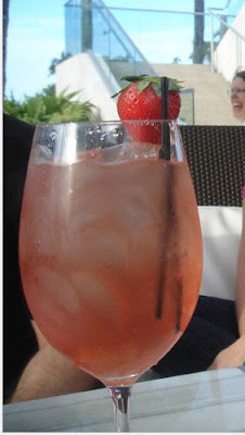 Burke 39 s buffet moonlighting and le fontainebleau - Plastic sangria glasses ...