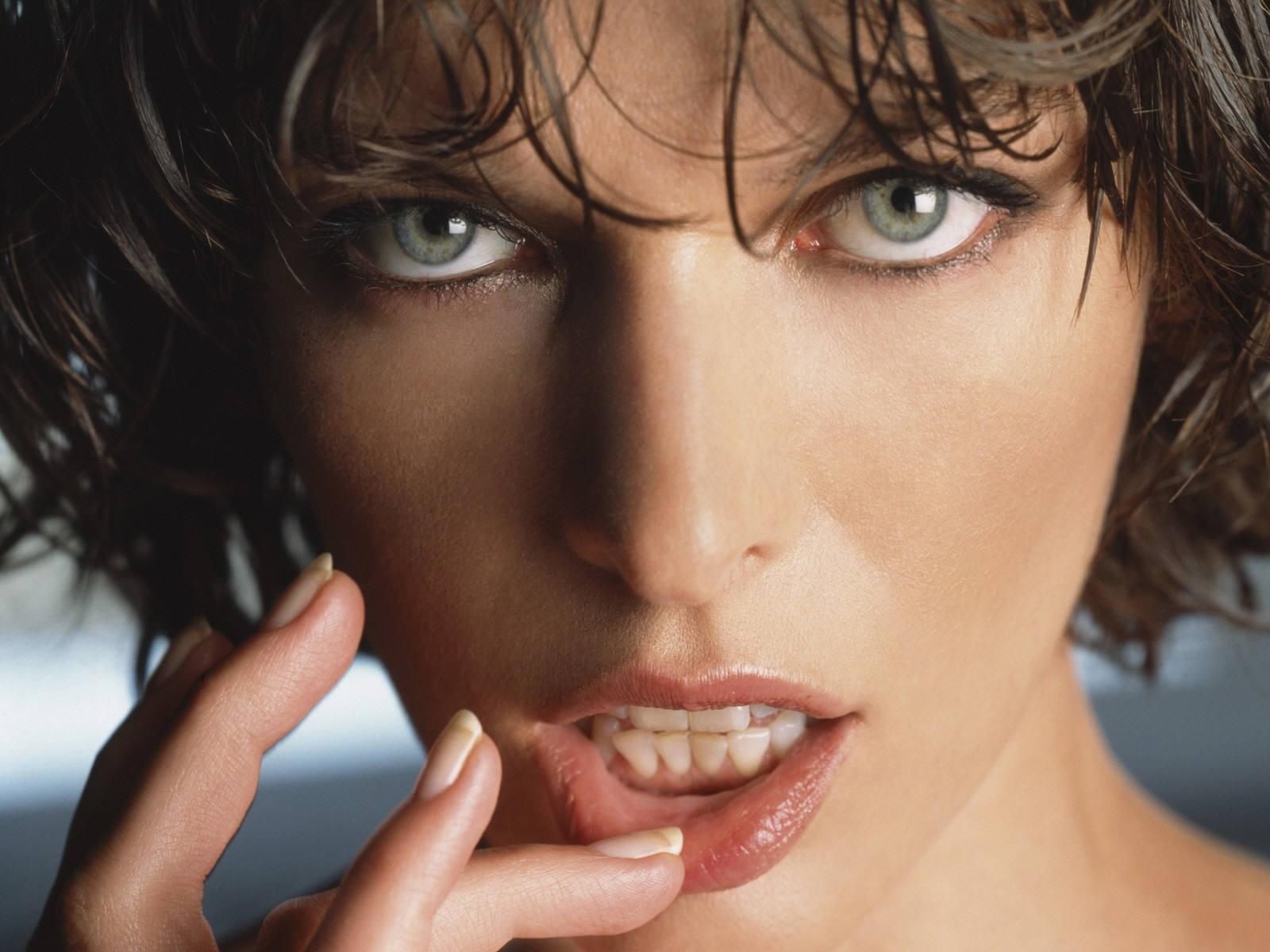 http://3.bp.blogspot.com/_W1ueYt1O3xs/STvr-7HSPEI/AAAAAAAAM-0/LK2laFzyDVc/d/Milla+Jovovich.jpg