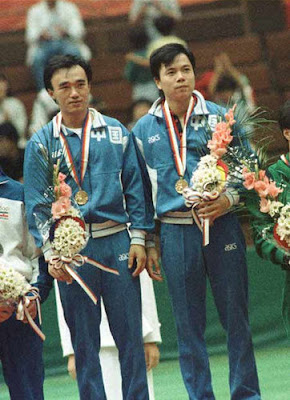 Seúl 1988 - Chen Longcan y Wei Qingguang, campeones de dobles en tenis de mesa